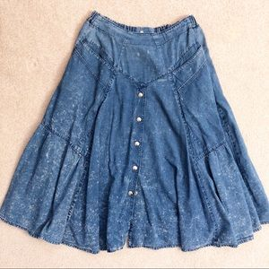Dresses & Skirts - Vintage 80's Acid Wash Denim Peplum Button Skirt